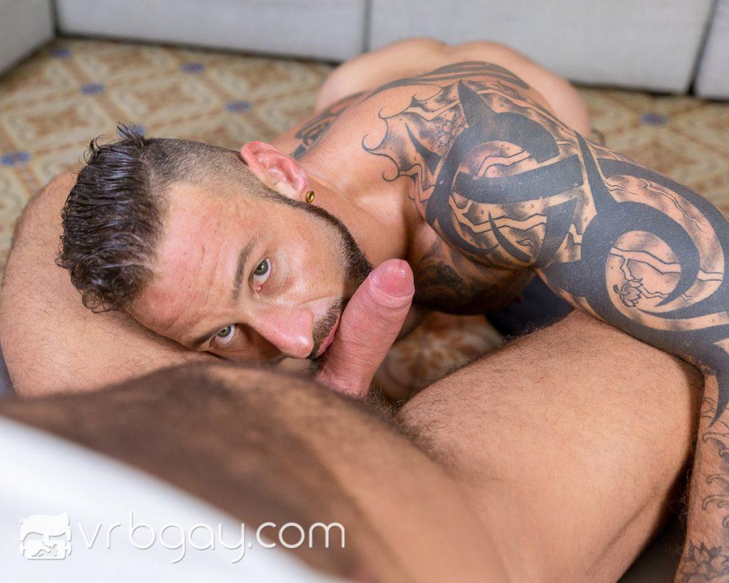 virtual gay sex with Antonio Miracle
